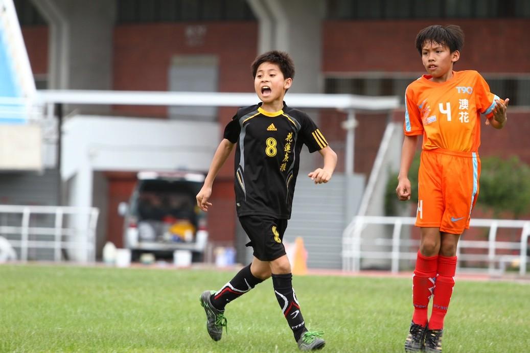 拍孩子的足球比賽,讓北埔的小鳴老師與北濱的孩子們,結下不解之緣。