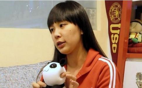 張珮甄表示看到弱勢媽媽努力製作襪子寶寶,也深受感動/Photo Credit:生命力新聞