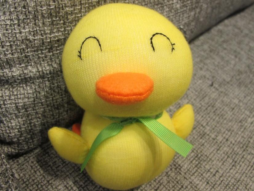 黃色小鴨款的襪子寶寶/ Photo Credit:生命力新聞