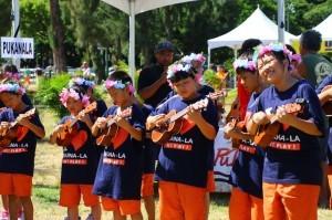 站上夏威夷嘉年華會的舞台,是烏克麗麗樂手的夢想,北濱的孩子圓夢了。〈呂靜怡攝〉