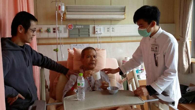 龔柏仁01-醫院志工。