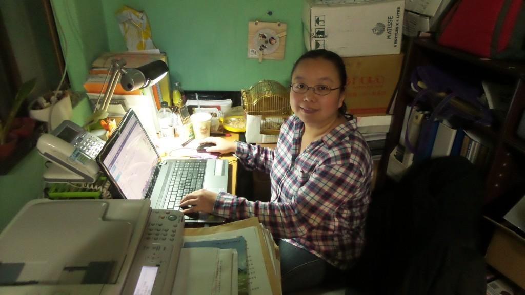 接受 NPOst 編輯室採訪的芒草心李盈姿秘書長(照片提供:李姿盈)