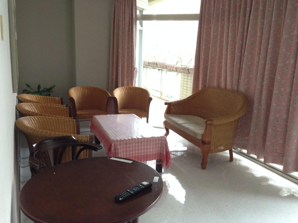 (安寧中心的協商室,讓病人能與家屬好好討論自主醫療計畫。)