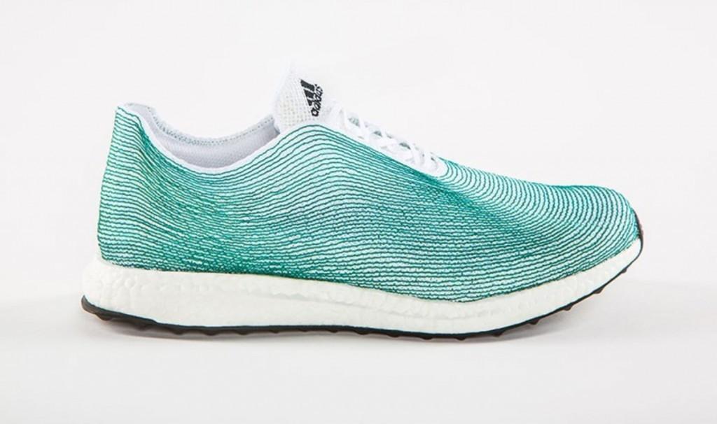 海洋波紋的運動鞋設計(IMAGE Adidas)
