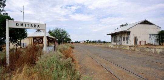 施行計劃的村落Otjivero所在的行政區Omitara(28.10.2012)