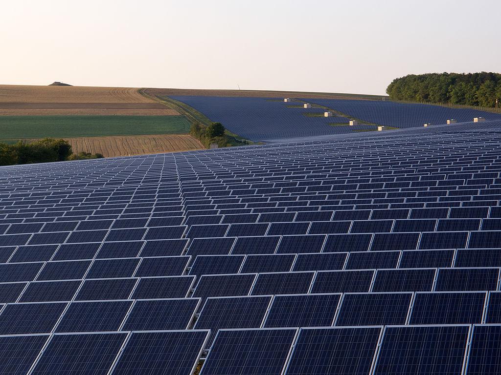 1024px-SolarparkThüngen-020