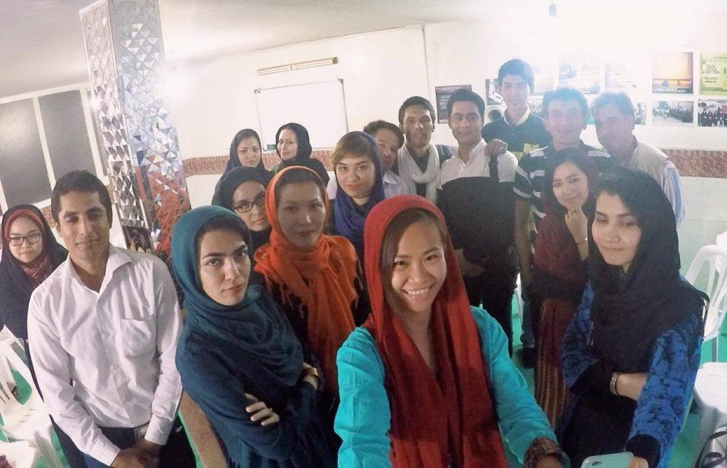 阿富難難民攝影師們在聚會上的合影
