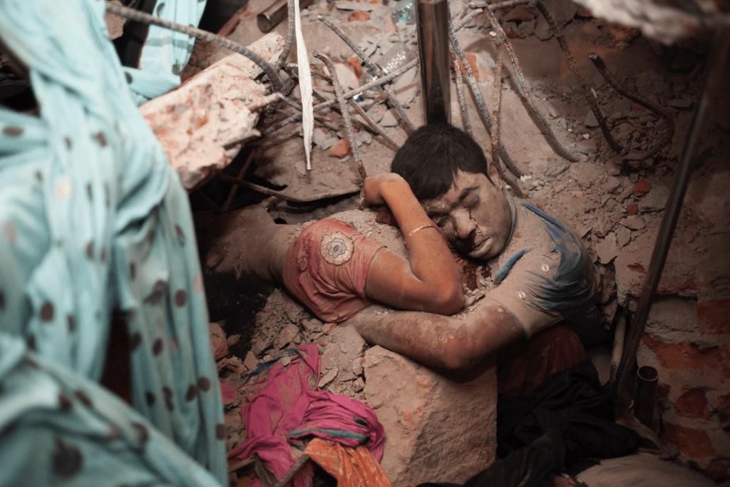 2013年孟加拉成衣大樓倒塌,造成一千多人死亡/ 圖片來源:繭裹子