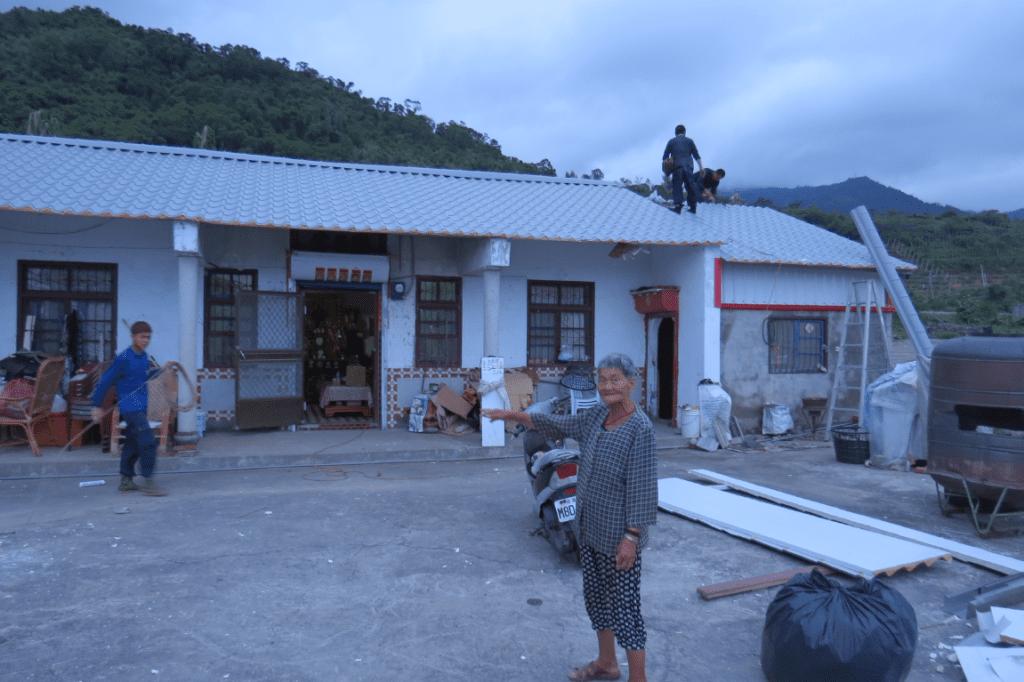 慈濟幫香蘭村客家庄原地修復。/圖片提供:鯉魚山城鄉文化會社 蘇雅婷